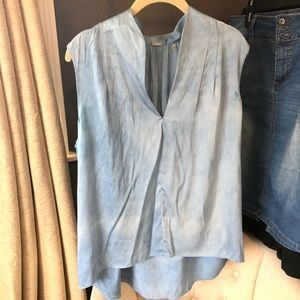 Elie Tahari blue v neck blouse